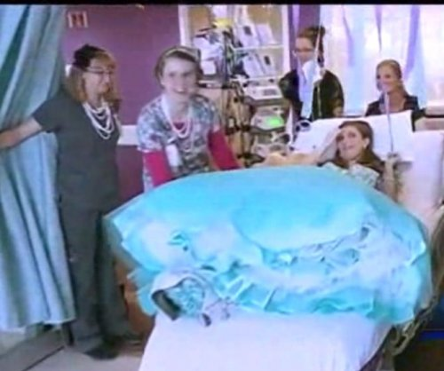 Prom comes to Nebraska teen's hospital room