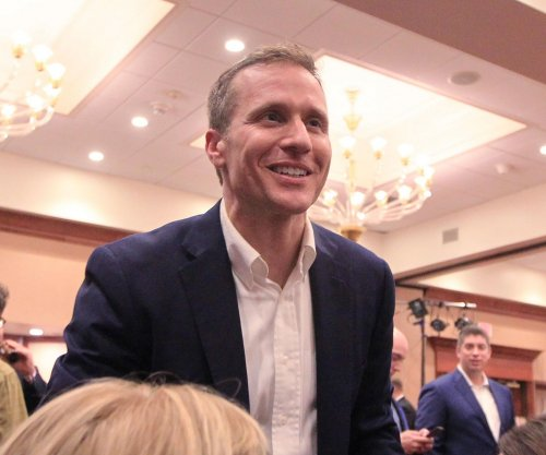 Wife of Missouri governor-elect robbed at gunpoint