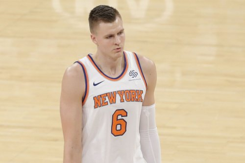 New York Knicks star Kristaps Porzingis left game vs. Brooklyn Nets with knee injury