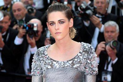 'Charlie's Angels': Kristen Stewart, Naomi Scott get character posters