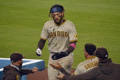 Padres' Fernando Tatis Jr. homers in return from COVID-19-related absence