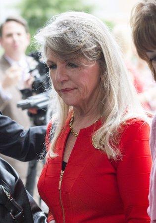 Prosecutor: Case against former Va. Gov. McDonnell is 'simple'
