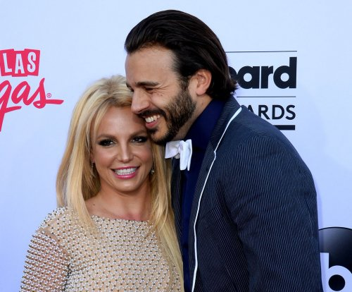 Britney Spears, Charlie Ebersol make red carpet debut as couple