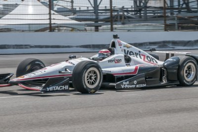 Power claims pole for race 1 in Detroit with new track record