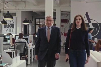 Anne Hathaway, Robert De Niro bond in 'The Intern' trailer