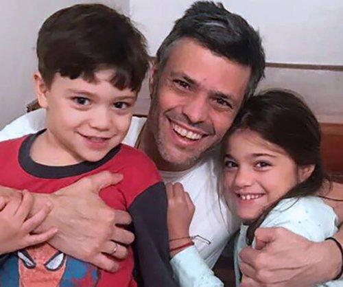 Venezuelan opposition leader tortured for days, wife says