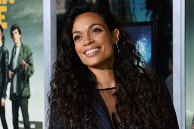 Rosario Dawson says she was fan-cast into 'The Mandalorian'