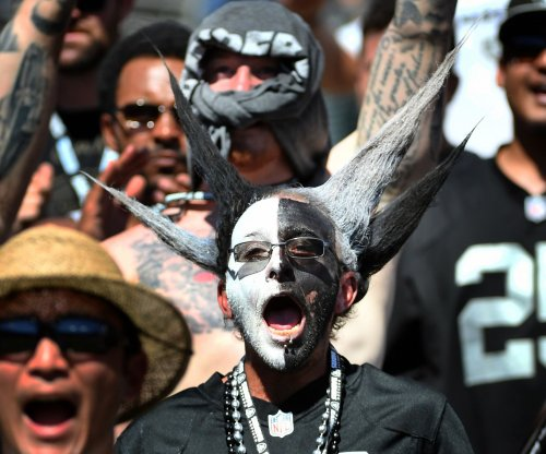 Roger Goodell: Don't rule out Raiders staying in Oakland