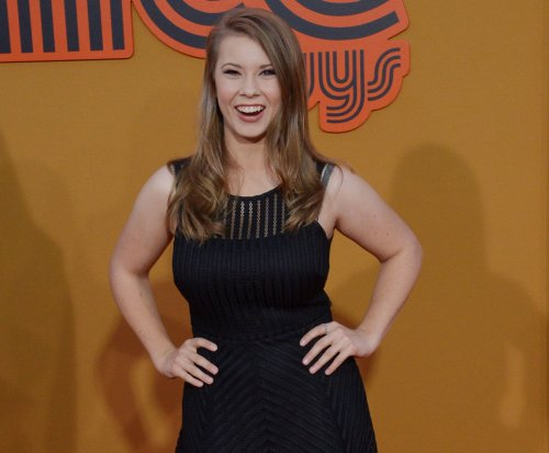 Bindi Irwin tweets support for gay marriage in Australia