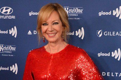 Allison Janney says Carol Burnett is 'the reason' she's an actress