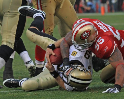 Arrest warrant for 49ers LB Ahmad Brooks on hold