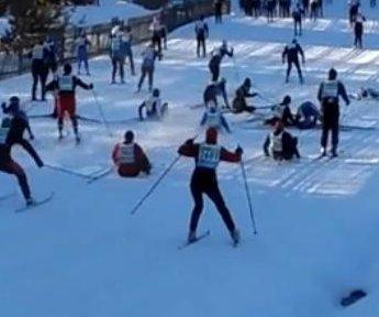 Dozens of skiers crash during Estonia event