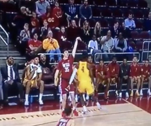 USC's Metu pens apology after punching WSU's Skaggs in groin