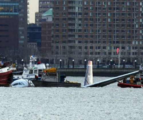 Survivors gather for 10th anniversary of 'Miracle on the Hudson'