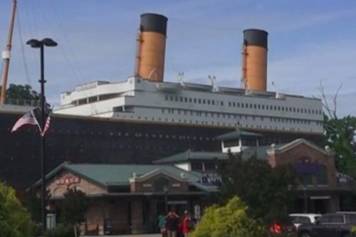 Three injured after iceberg wall collapses at Tennessee Titanic Museum