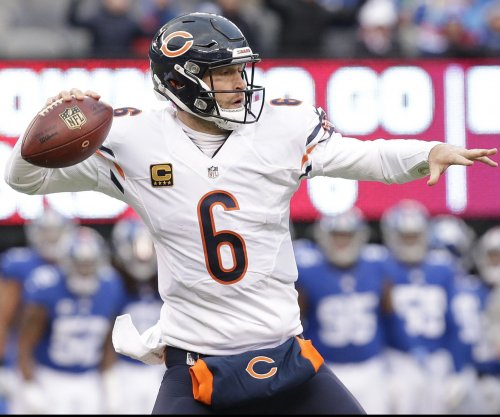 Chicago Bears QB Jay Cutler facing season-ending surgery