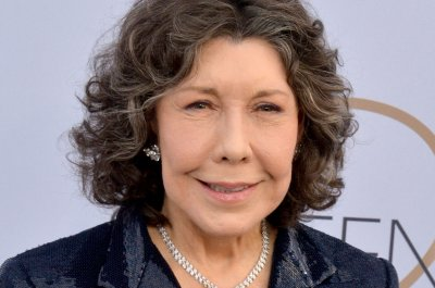 Paley Center to honor comedy legends Lily Tomlin, Carol Burnett, Bob Newhart
