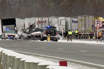 Wintry weather causes travel mayhem in Midwest and Northeast