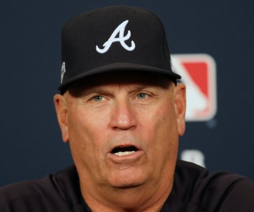 Braves sign manager Brian Snitker through 2023 season