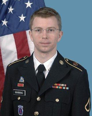 Manning pleads guilty to gov't data leak