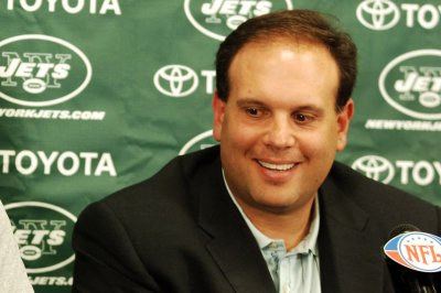 Miami Dolphins hire former New York Jets general manager Mike Tannenbaum