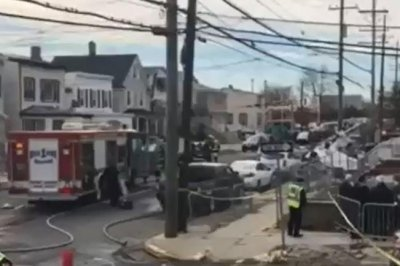Pilot survives plane crash on New Jersey street