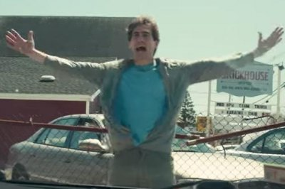 Tatiana Maslany helps Jake Gyllenhaal heal in first trailer for 'Stronger'
