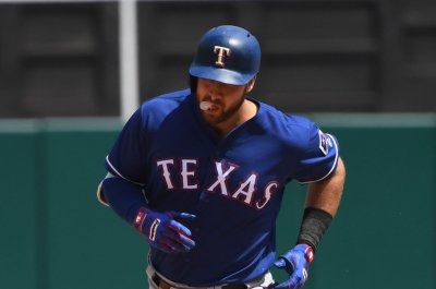 Rangers' Joey Gallo placed on injured list with oblique injury