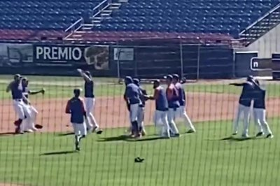 Watch: Mets practice World Series celebration at spring training