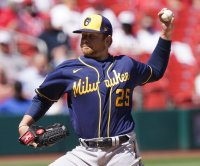 Brett Anderson pitching gem, homer trio helps Brewers beat Cardinals