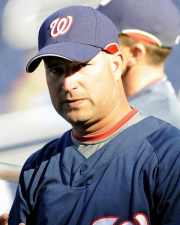 Indians name Manny Acta manager
