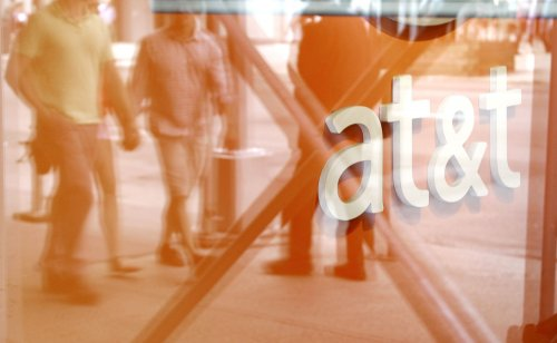 AT&T sued for slowing down unlimited data customers