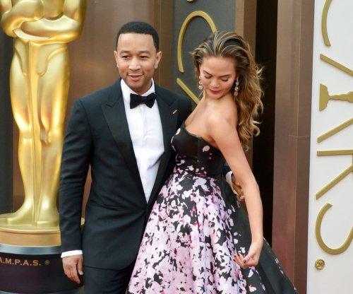 Chrissy Teigen, John Legend hire food trucks for NYC protesters
