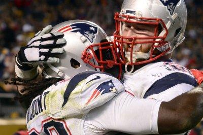 LeGarrette Blount, New England Patriots bulldoze Pittsburgh Steelers
