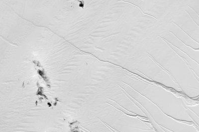 Massive iceberg ready to break from Antarctic ice shelf