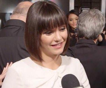 Nina Dobrev debuts bob with bangs at 'Flatliners' premiere