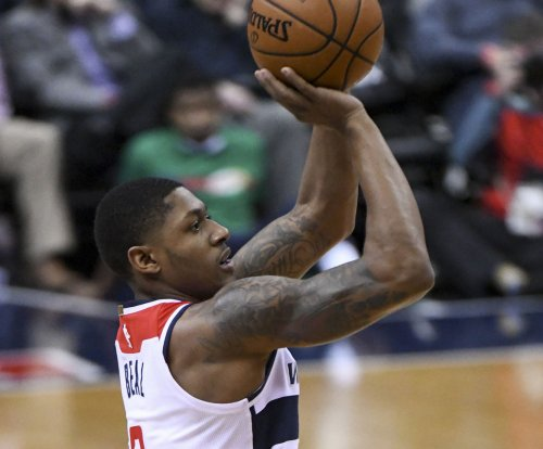 Wizards try to keep winning without Wall against Sixers