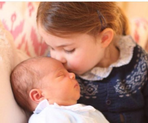 Palace releases new photos of Princess Charlotte, Prince Louis
