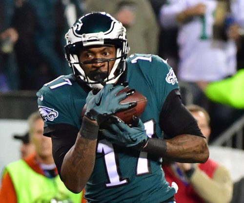 Eagles WR Jeffery still not cleared for contact