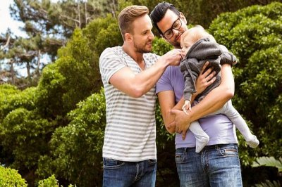 Most gay dads and their kids face social stigma, study shows