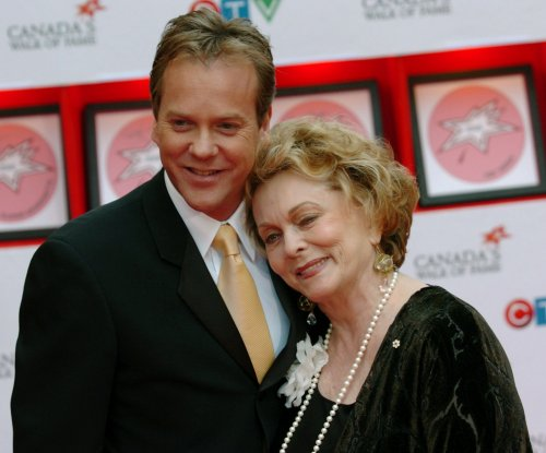 Actress Shirley Douglas, mom of Kiefer Sutherland, dead at 86