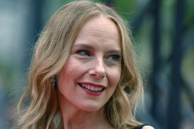 Amy Ryan, Gabriel Byrne to star in Netflix's 'Lost Girls'
