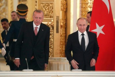 Erdogan, Putin meet in Moscow to talk defense, Syria