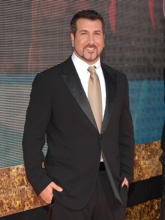 Fatone to preside over 'Celebrity Circus'