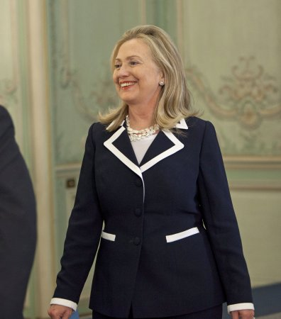 Poll: Clinton favored in 2016 in Iowa