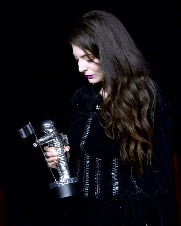 Audio of Lorde singing cover of 'Use Somebody' surfaces