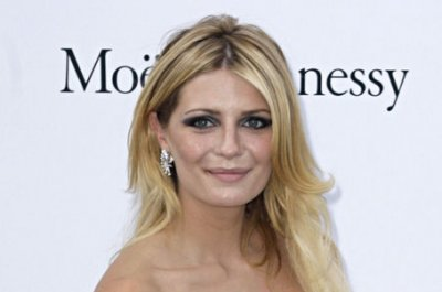 Mischa Barton not dating 'Dancing' partner Artem Chigvintsev