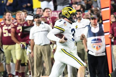 Former Michigan QB transferring to UCLA