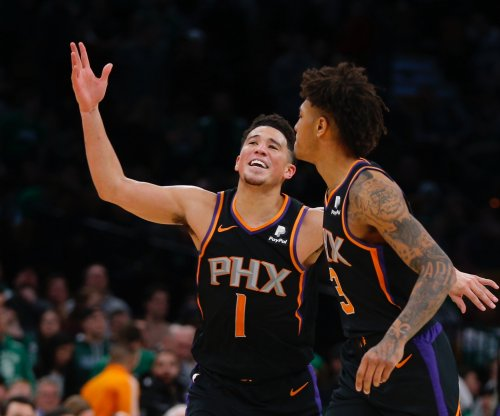 Suns' Devin Booker replacing Lakers' Anthony Davis in NBA All-Star Game
