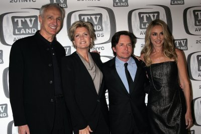 Meredith Baxter marries girlfriend after seven years of dating ...
